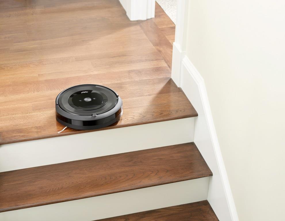 Dank einer Vielzahl an Sensoren erkennt der Saugroboter Treppen, Absätze und verschmutze Stellen. copyright: iRobot