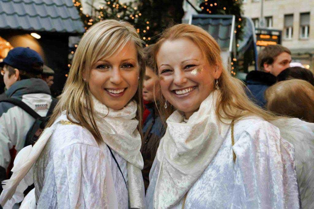 Himmlische Aussichten auf Weihnachtsmarkt am Kölner Neumarkt copyright: Markt der Engel