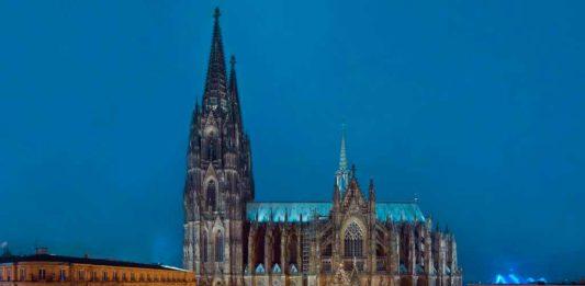 Auch die zahlreichen Weihnachtsmärkte locken die Besucher zuätzlich in die Kölner Innenstadt. copyright: KölnTourismus GmbH / Dieter Jacobi