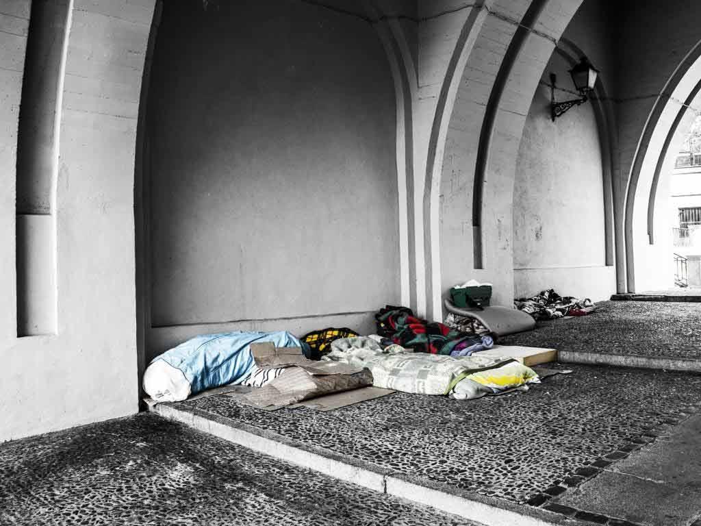 Hilfe für obdachlose und drogenabhängige Menschen copyright: pixabay.com
