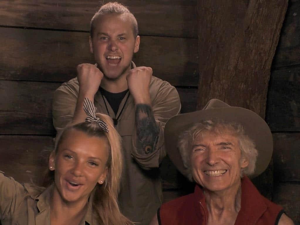 Evelyn Burdecki, Felix van Deventer (M.) und Peter Orloff feiern ihren Einzug in das Finale. Foto: TVNOW Alle Infos zu Ich bin ein Star - Holt mich hier raus! im Special bei RTL.de