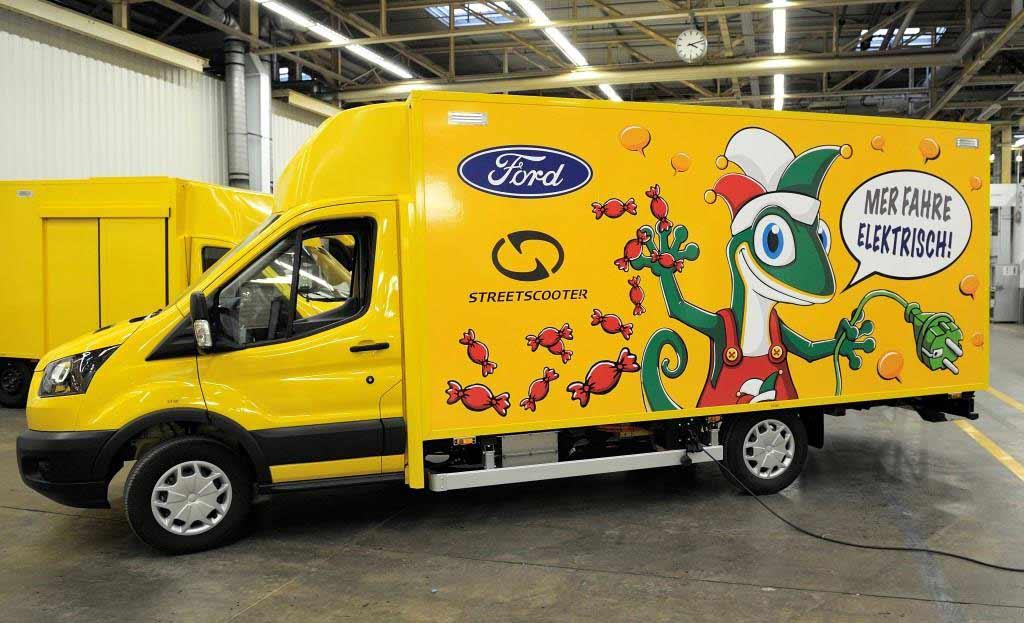 Drei StreetScooter WORK XL transportieren beim diesjährigen Kölner Rosenmontagzug 2019 die Kamelle erstmals rein elektrisch. copyright: Ford-Werke GmbH