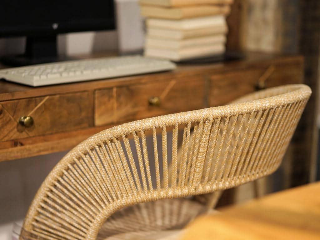 Möbel aus Naturmaterialien sind immer noch absolut angesagt. copyright: pixabay.com