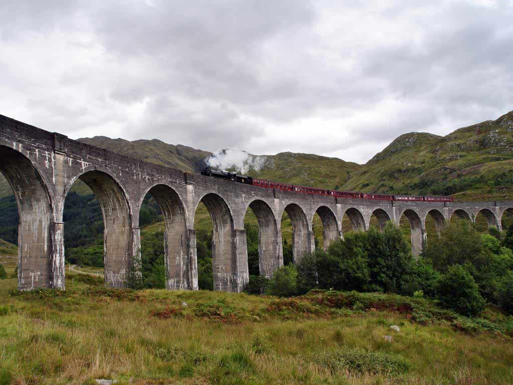 Glenfinnan Viadukt und Jacobite Steam Train copyright: pixabay.com