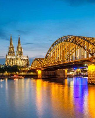 Corona-Krise: Stadt Köln bittet Bürger um Solidarität und Hilfe copyright: Envato / haveseen