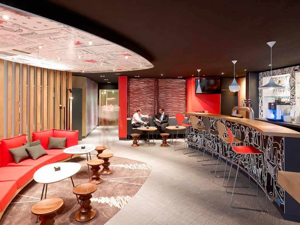 Die Sportsbar im Hotel steht rund um die Uhr zur Verfügung. copyright: Abaca Corporate / Guido Erbring