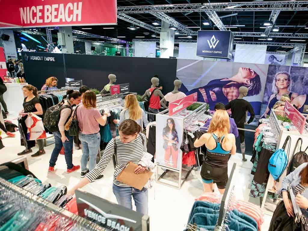 """In der """"Shopping-Halle"""" der Koelnmesse gibt es die neuesten Kollektionen und Schnäppchen. copyright: FIBO / Behrendt und Rausch"""