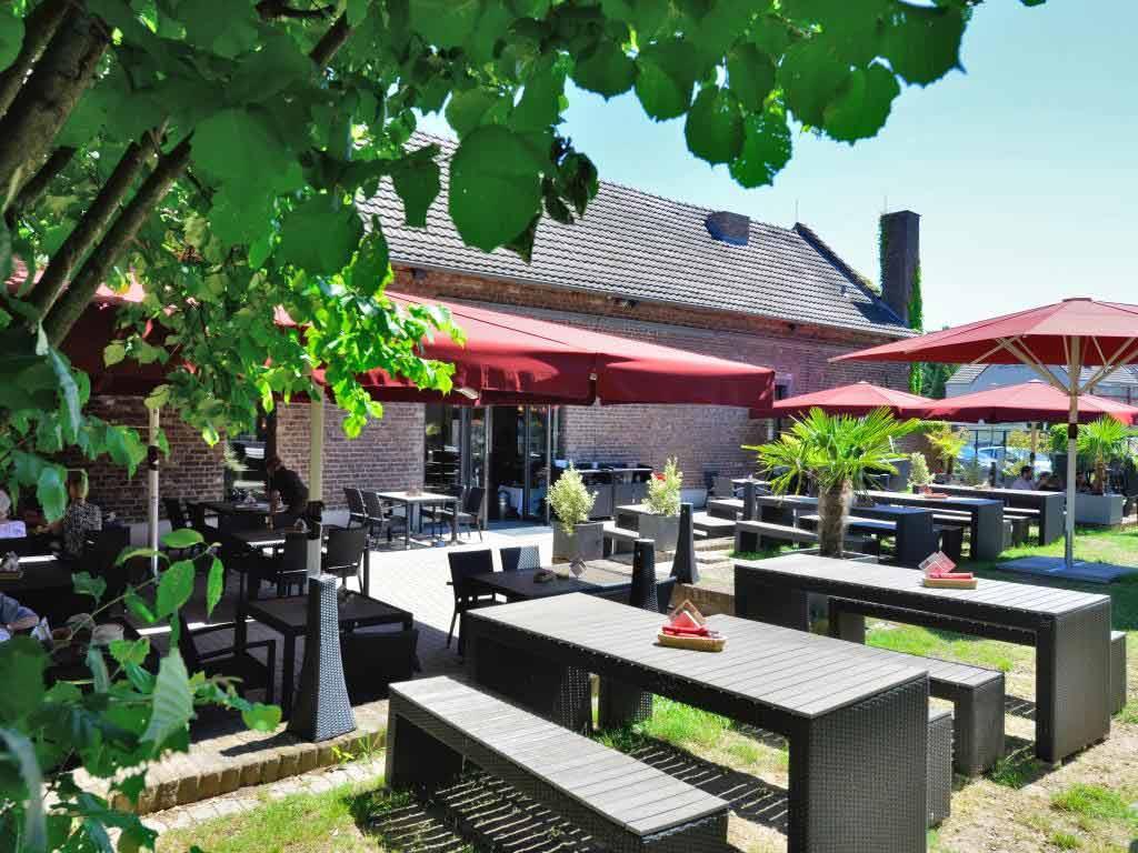 Eltzhof: Zwischen Brauhaus und Biergarten