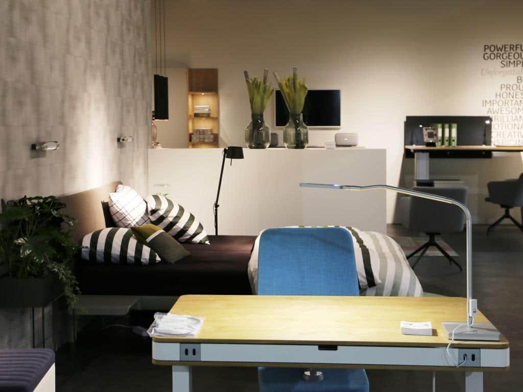 Schreibtisch per App anpassen copyrights: Let´s be smart / Koelnmesse GmbH