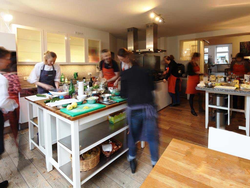 Im esswahres finden zahlreiche Kochkurse und Firmen-Events statt. copyright: esswahres / Alex Weis