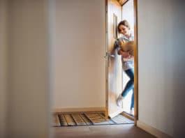 Die Haustür als Blickpunkt, Visitenkarte und Sicherheitsfaktor copyright: Envato / halfpoint