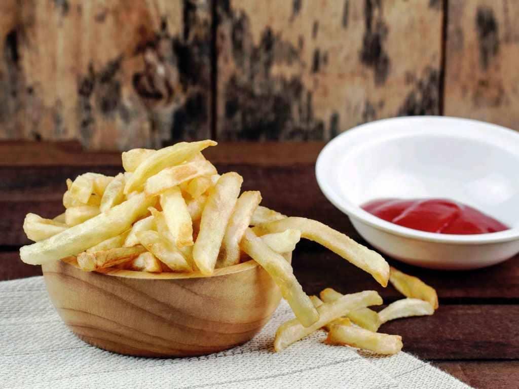 Pommes aus der Heißluftfritteuse: Schmeckt das? copyright: Envato / start08