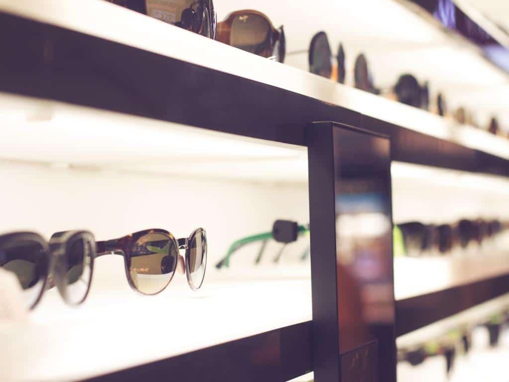 Was ist dieses Jahr bei den Sonnenbrillen angesagt? copyright: Envato / Ion Barbu