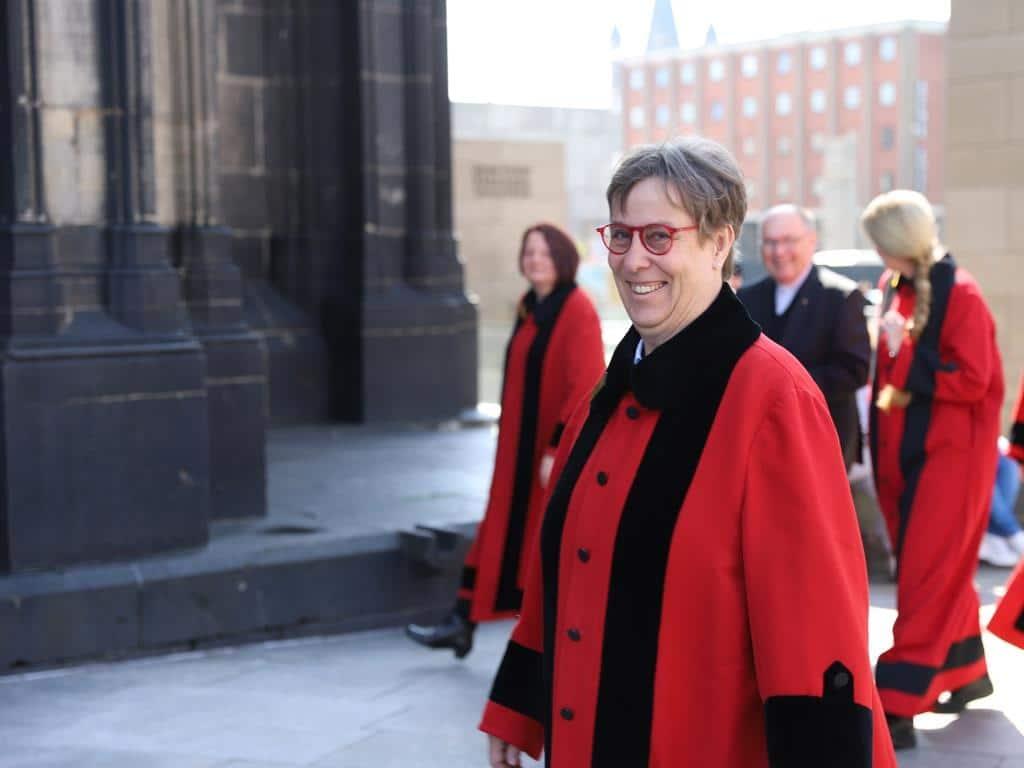 Die vier Frauen wurden sehr herzlich im Team der Kölner Domschweizer aufgenommen. copyright: Hohe Domkirche Köln, Dombauhütte; Foto: P. Modanese