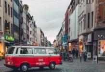 Köln im VW Bulli Oldtimer entdecken: CityNEWS verlost drei Liebe Deine Stadt-Touren copyright: LiebeDeineStadt-Touren