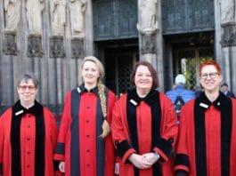 Frauen-Power im Kölner Dom: Vier Domschweizerinnen nehmen Dienst auf copyright: Hohe Domkirche Köln, Dombauhütte; Foto: P. Modanese