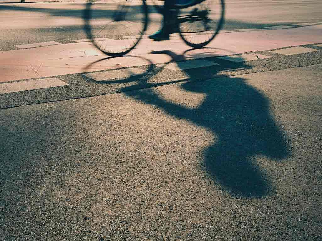 Zwei wichtige Verkehrsachsen in Köln werden zu Fahrradstraßen copyright: Envato / Chalabala