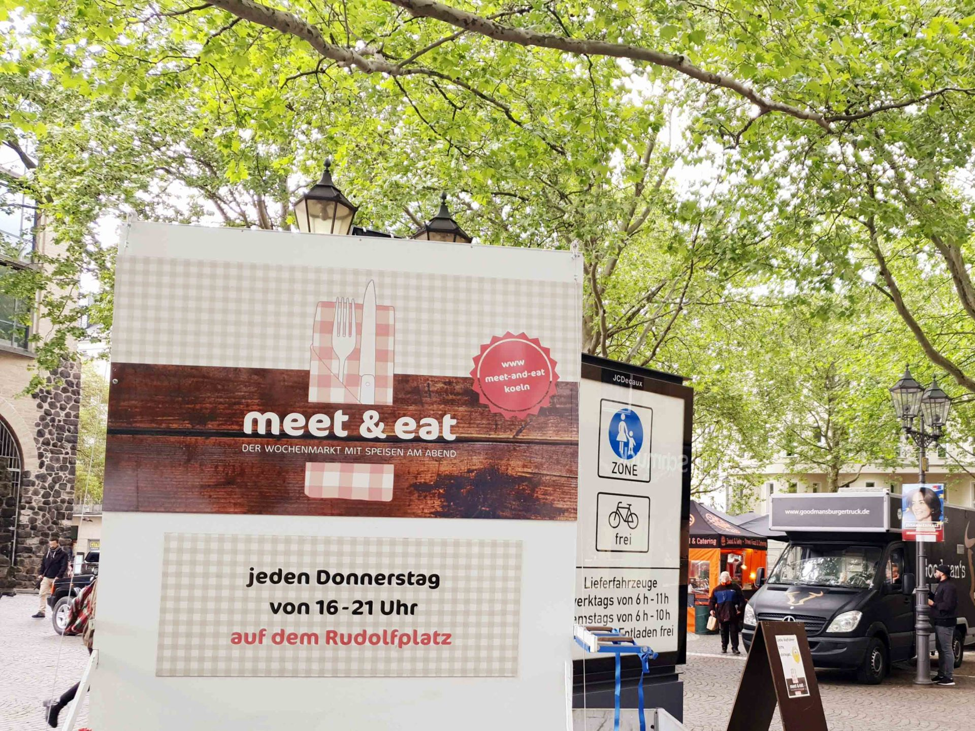 """Jeden Donnerstag von 16 bis 21 Uhr findet hinter der Hahnentorburg am Rudolfplatz der """"meet & eat""""-Food-Markt statt. copyright: CityNEWS"""