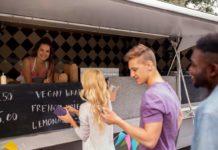 Street-Food-Trucks in Köln: Hier findet man die besten und leckersten! copyright: Envato / dolgachov