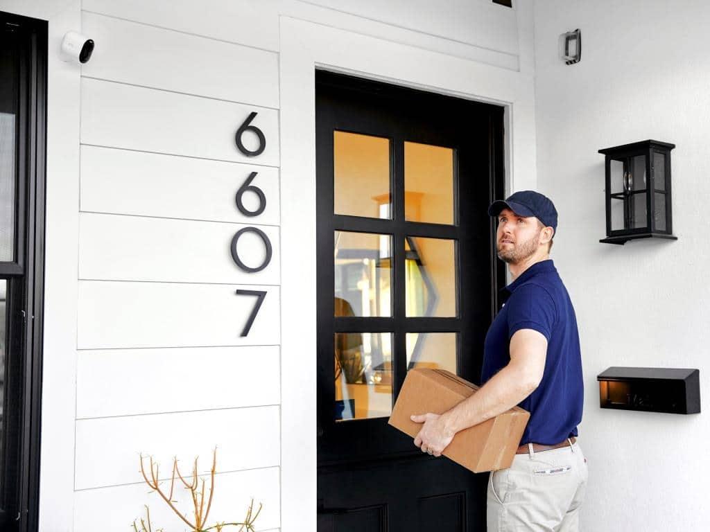 Arlo sorgt für Sicherheit im Smart Home. - copyright: Arlo