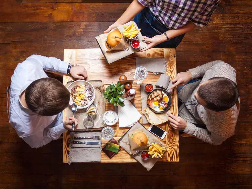 Welche Food-Trends bewegen die Gastro-Szene? Das ist in den Restaurants angesagt! copyright: Envato / photobac