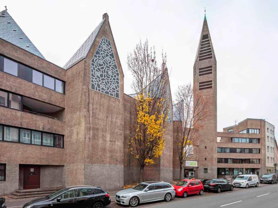 Abriss, Umbau oder Neunutzung: Dies ist die Situation, in der sich derzeit viele Kirchengebäude befinden, einige sind von Leerstand bedroht. copyright: Michael Rasche / www.michaelrasche.com