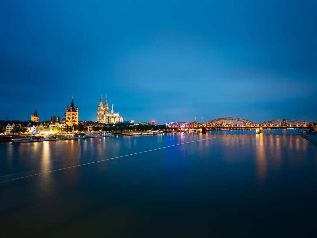 In der Domstadt gibt es zu wenig Wohnungen für die schnell wachsende Rheinmetropole. copyright: Envato / Grigory_bruev