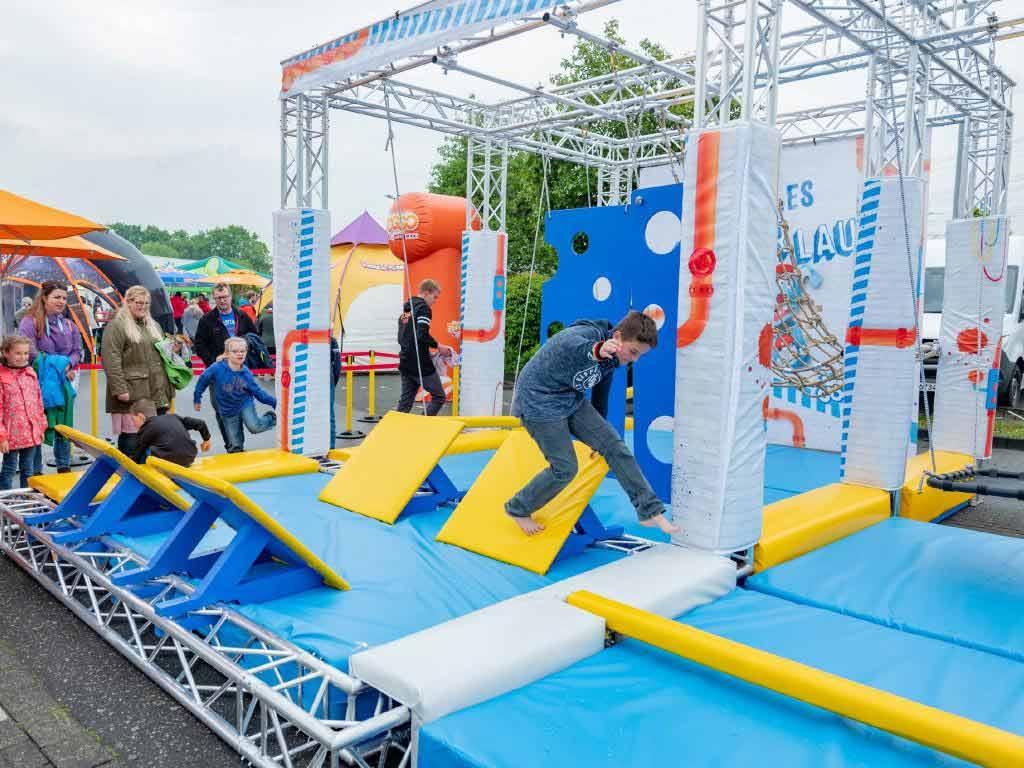 """Bei """"Woozles Buzzer Lauf"""" können die kleinen Gäste der TOGGO Tour sich richtig austoben. copyright: Mediengruppe RTL / Super RTL"""