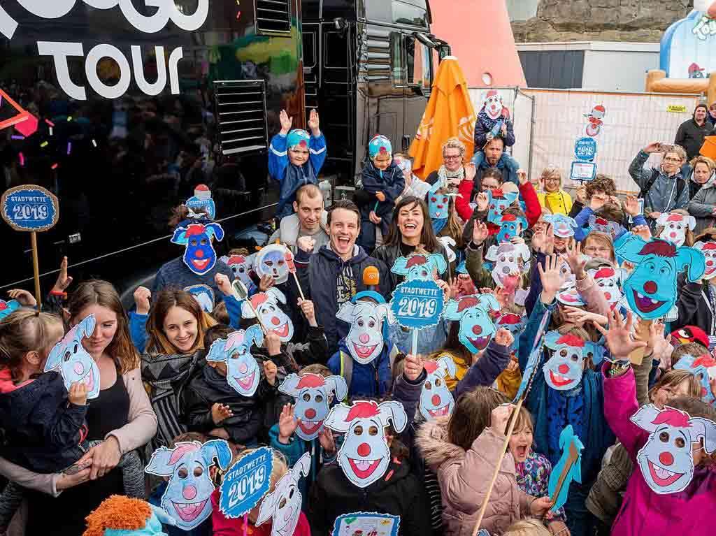 Schafft es Köln, dass sich mehr als 100 Kinder als Woozle verkleidet auf der Bühne von Super RTL am Neumarkt versammeln? copyright: Mediengruppe RTL / Super RTL