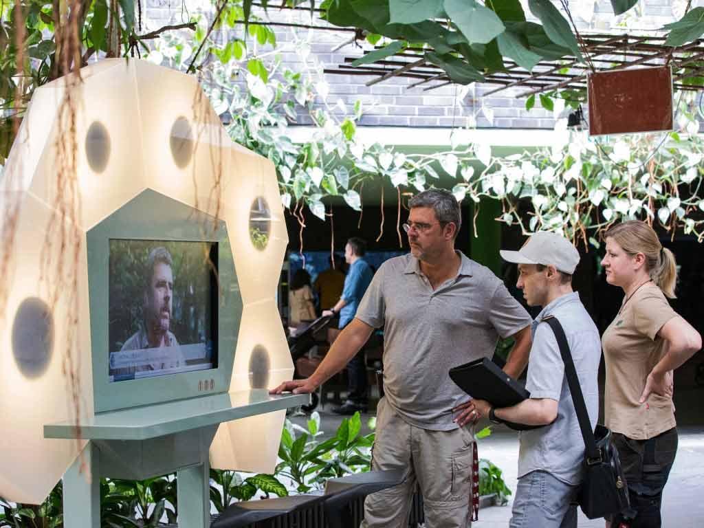 Mit interaktiven Terminals wird den Besuchern die Arbeit des Kölner Aquariums näher gebracht. copyright: CityNEWS / Alex Weis