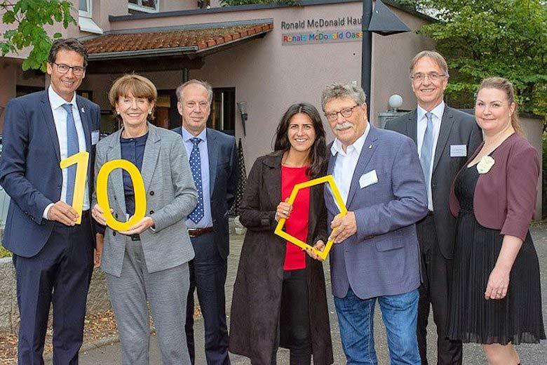 Rund 75 Gratulanten kamen zum Jubiläum des Ronald McDonald Haus n Köln. copyright: McDonald's Kinderhilfe Stiftung