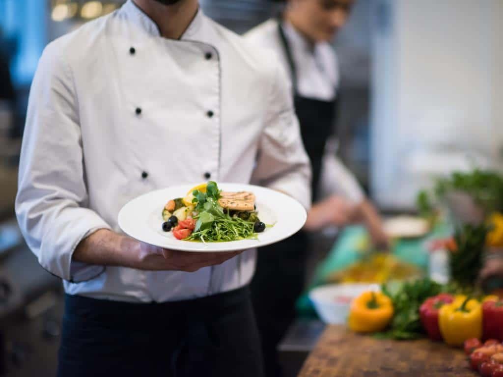 In der Domstadt erwartet die Gourmets kulinarische Hochgenüsse. copyright: Envato / dotshock