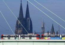 Mit Bus, Bahn und Zug zum Kölner Feuerwerk copyright: Christoph Seelbach / Kölner Verkehrs-Betriebe AG