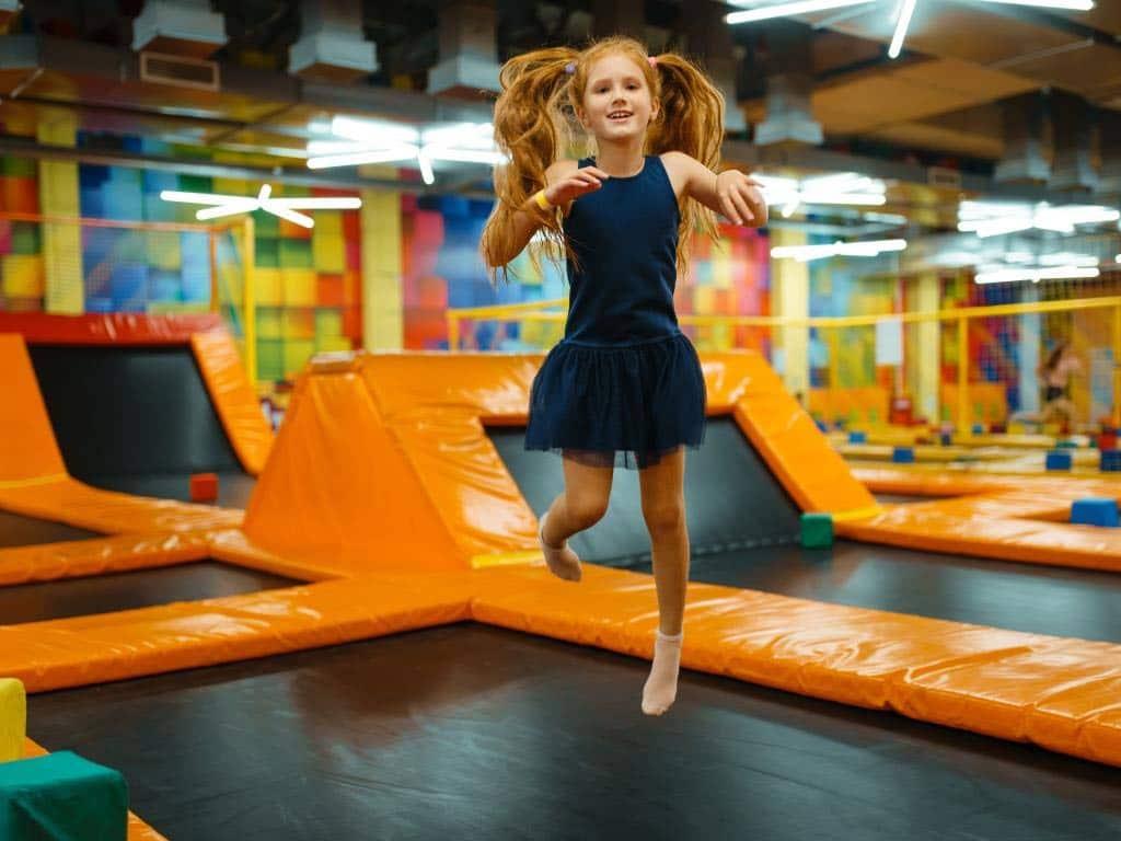 Höher, schneller, weiter: Auf ins Jump-House! copyright: Envato / NomadSoul1