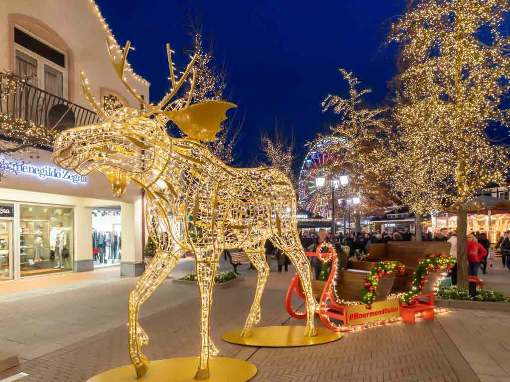 Eine bezaubernde Weihnachts-Deko sorgt für winterliches Shopping-Vergnügen. copyright: McArthurGlen Designer Outlet Roermond