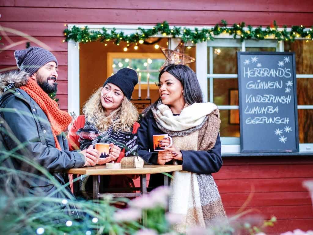 Mitten im Szeneviertel wird sich der wunderschöne große Biergarten der Kult-Location Herbrand´s erneut in einen vorweihnachtlichen Traum verwandeln. copyright: Roland Breitschuh