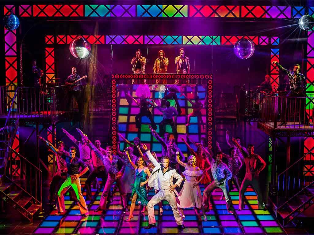 """Das Kult-Musical """"Saturday Night Fever"""" lädt vom 17.03. – 29.03.2019 zum Tanz in die Rheinmetropole. copyright: Pamela Raith"""