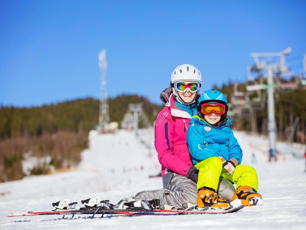 Damit keine Langeweile in den Ferien aufkommt, sollte es jede Menge Abwechslung für die Kinder geben. copyright: Envato / photobac