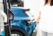 Elektro-Autos: Wie steht es mit der E-Mobilität in Köln? copyright: Envato / deyangeorgieva