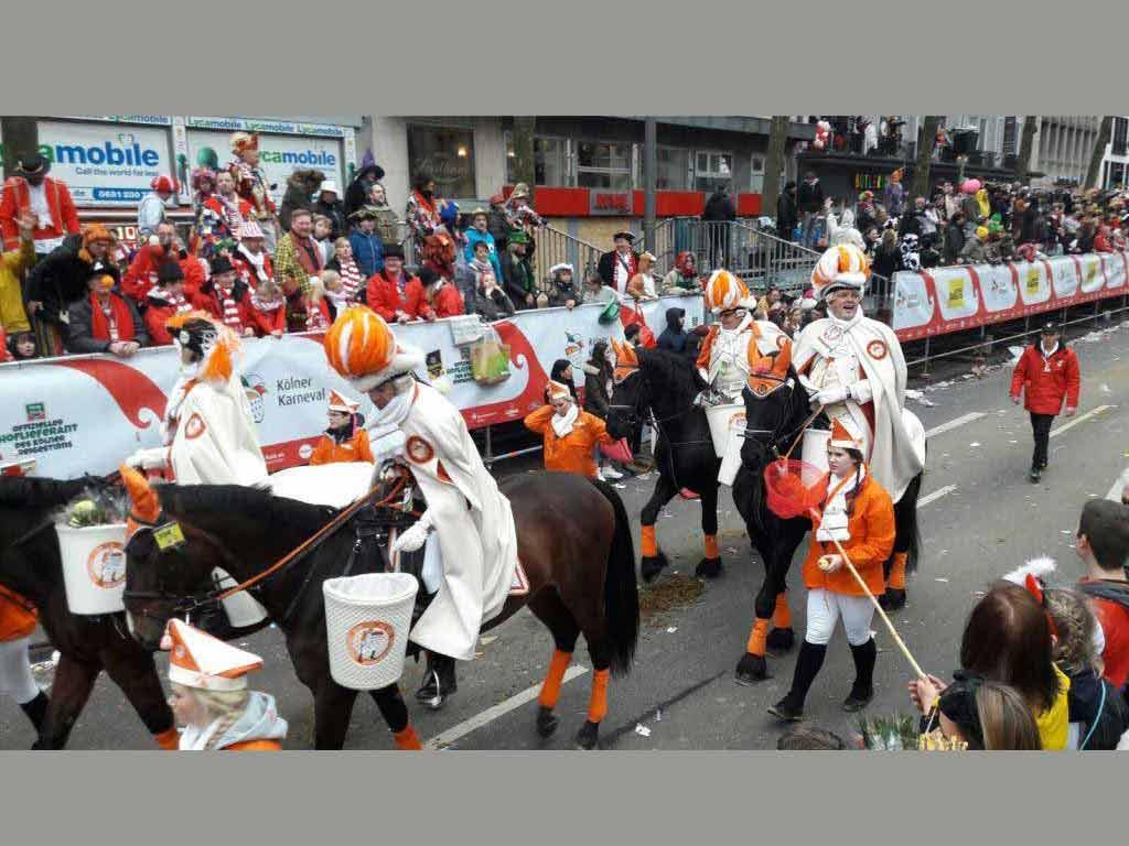 Rund 300 Pferde kamen beim Karnevalsumzug zum Einsatz. (Symbolbild) copyright: CityNEWS / Christian Esser