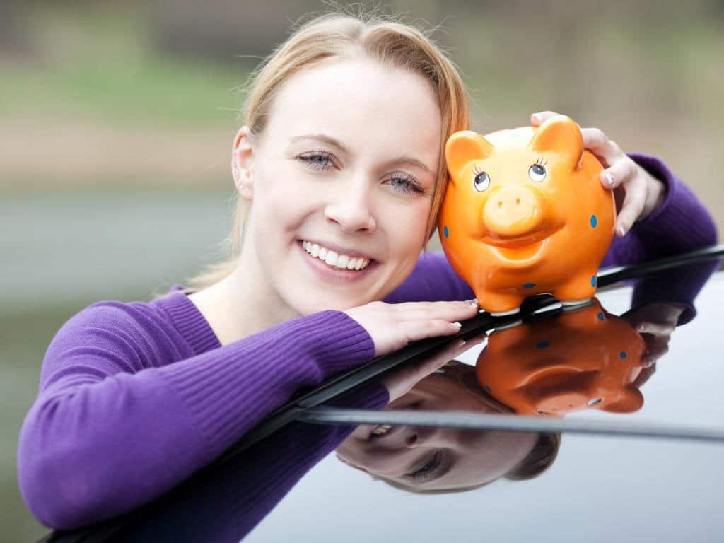 Das Versicherungsunternehmen bietet auch besondere Vergünstigungen für Ehrenamtler. copyright: contrastwerkstatt - stock.adobe.com
