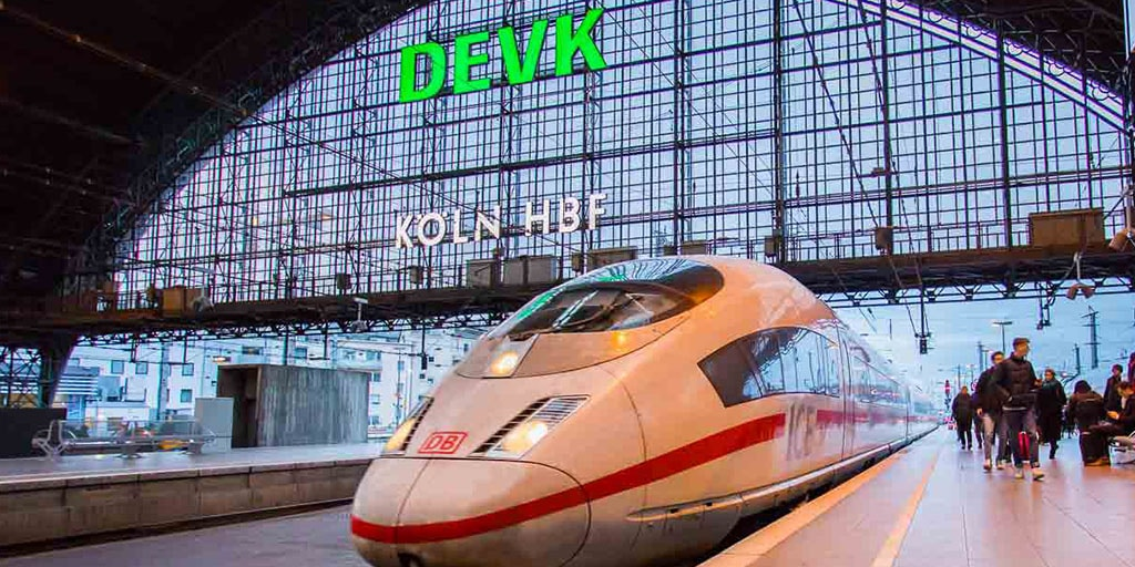 KFZ-Versicherung der DEVK: BahnCard-Inhaber und Ehrenamtler sparen