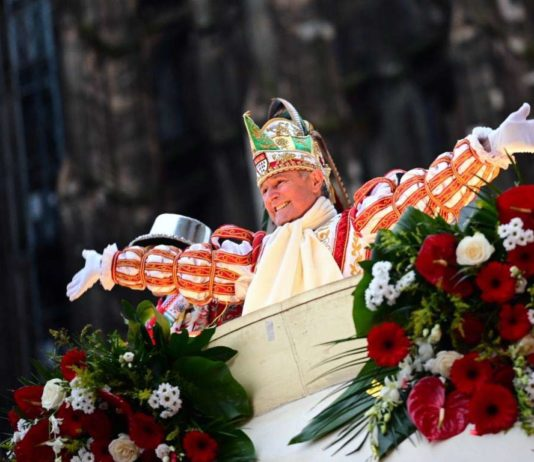 Prinz Christian II. feierte mit tausenden Jecken beim Kölner Rosenmontagszug 2020. copyright: Festkomitee Kölner Karneval