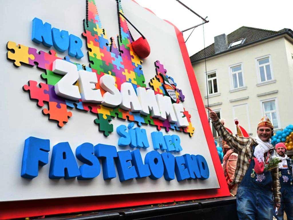 Rosenmontgaszug-Leiter Holger Kirsch präsentierte das neue Motto der Karnevals-Session. copyright: Festkomitee Kölner Karneval