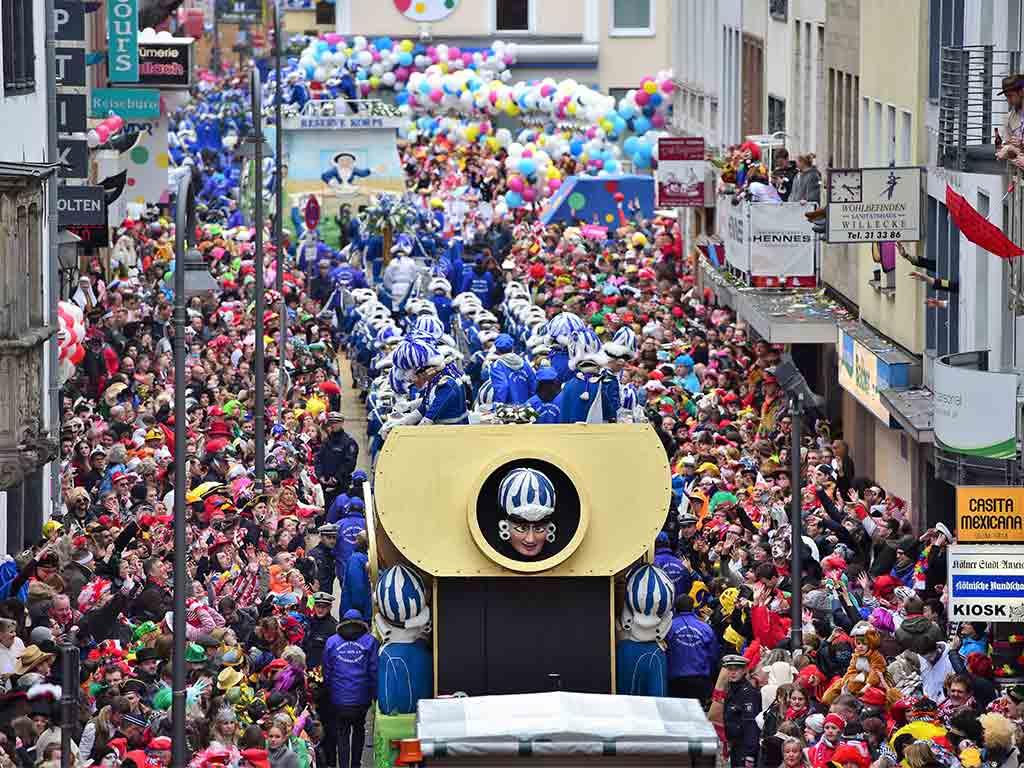 Die Reihenfolge der Gruppen im Rosenmontagszug 2020. Ganz vorne mit dabeisind traditionell die Blauen Funken. copyright: Festkomitee Kölner Karneval