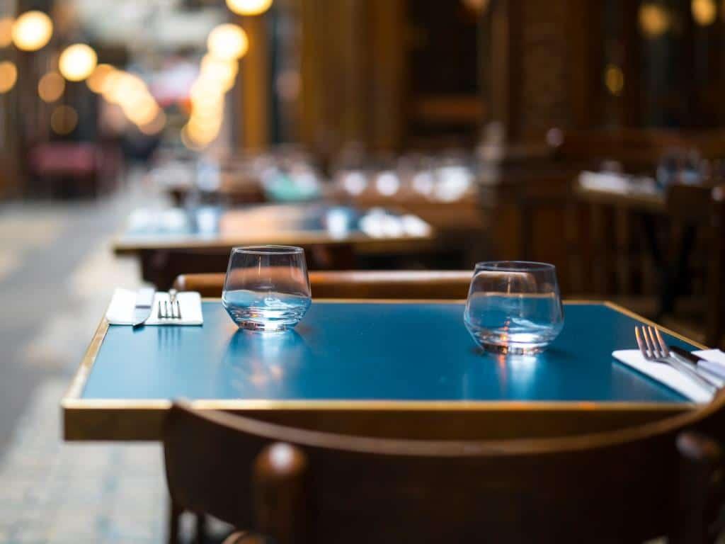 Alle Restaurants und Gastronomiebetriebe in Köln werden ab Dienstag geschlossen. copyright: Envato / AboutImages
