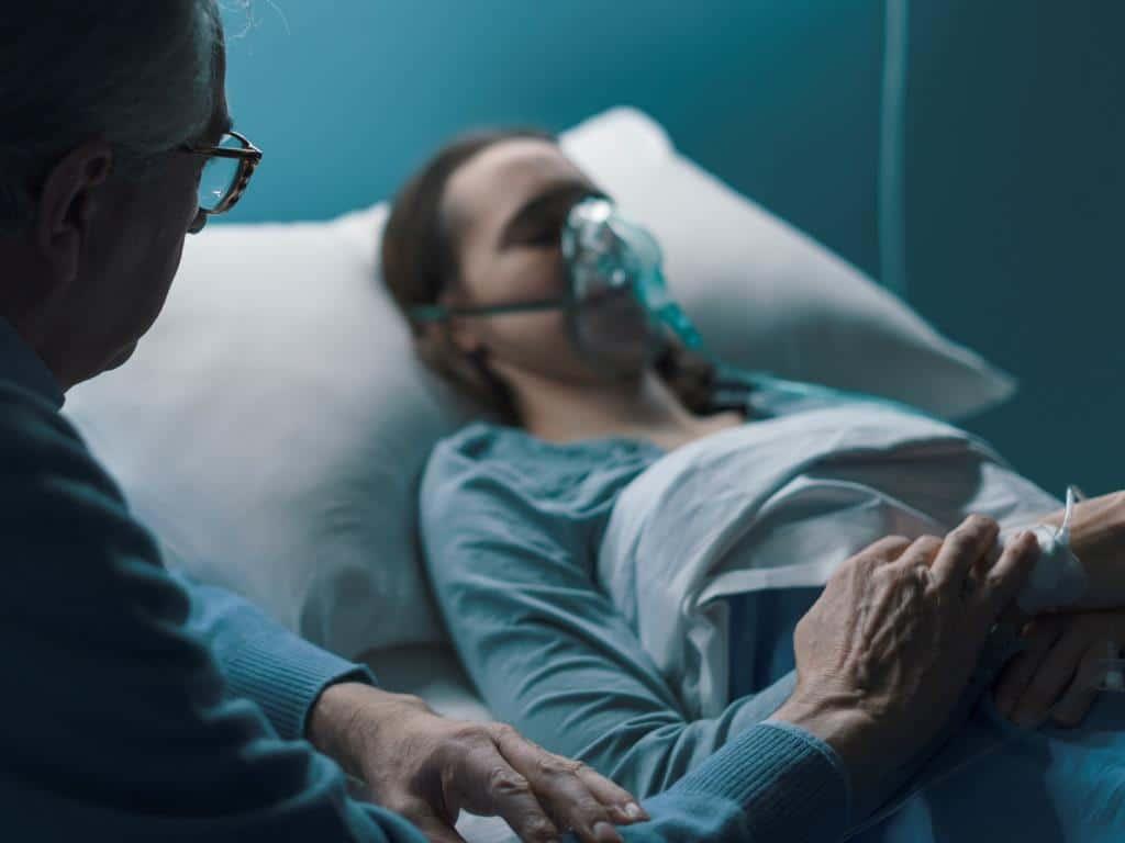 Ab sofort sind in den Klinken Köln grundsätzlich keine Patientenbesuche mehr möglich. copyright: Envato / stokkete