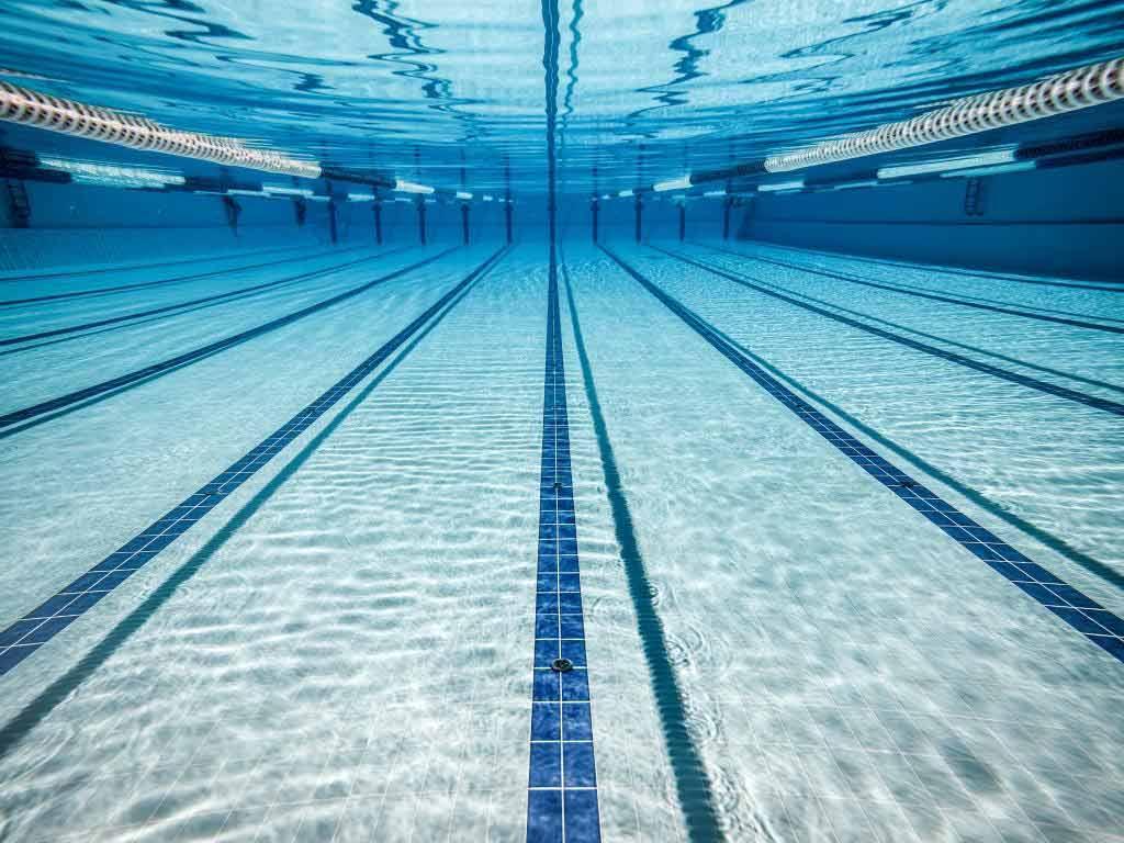 Schwimmbäder und Saunen werden ab sofort geschlossen copyright: Envato / cookelma