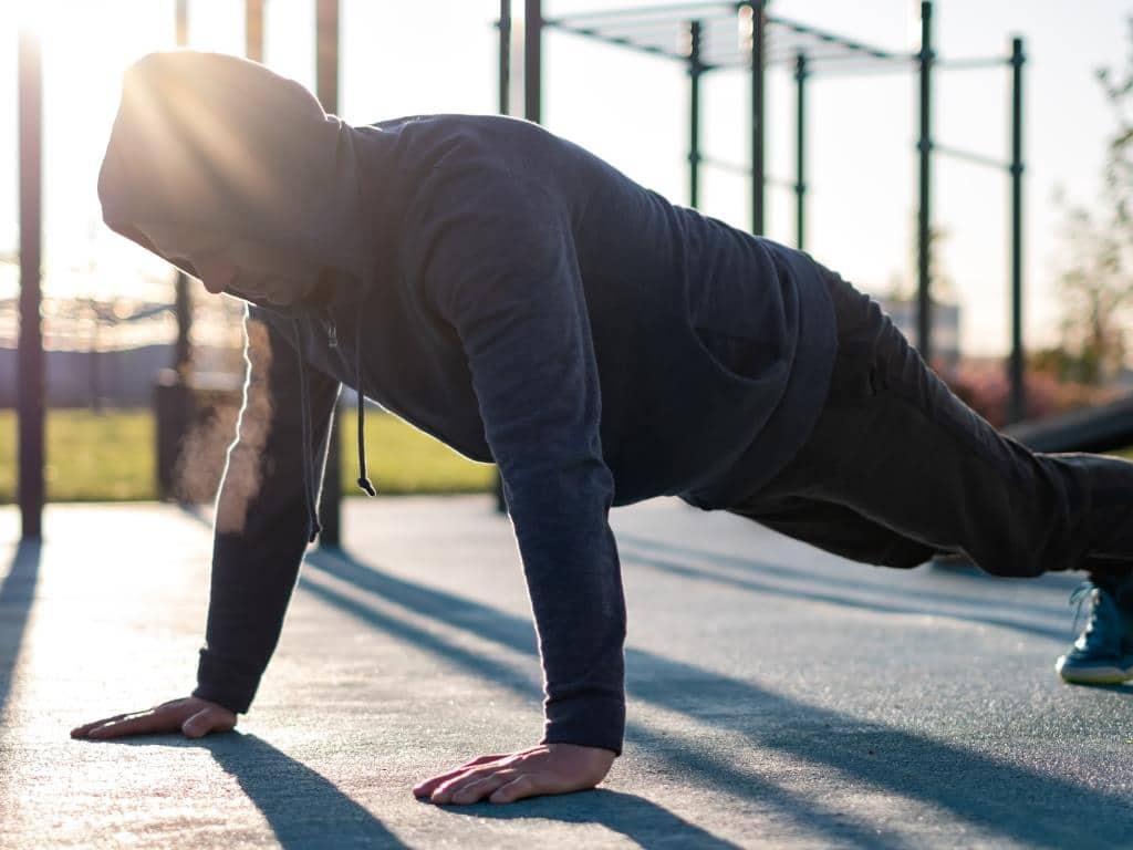 7. Platz: Eigengewichts-Training - copyright: Envato / koldunov