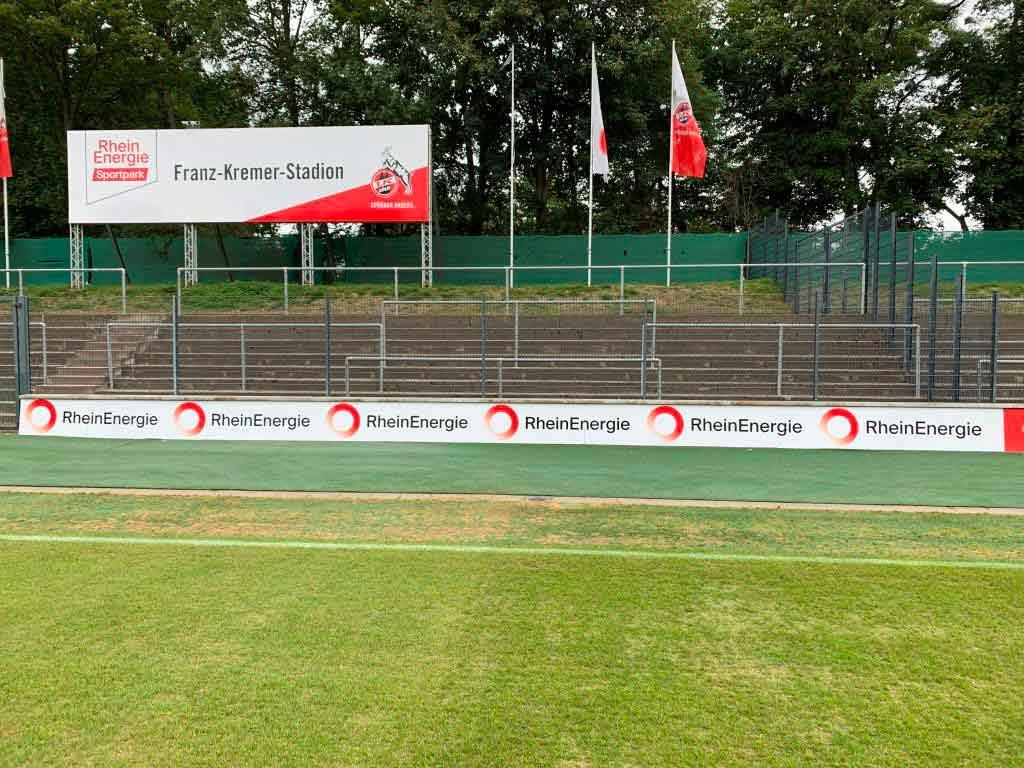 Auf einer bereits versiegelten Fläche neben dem Franz-Kremer-Stadion soll ein neues Leistungszentrum für den Nachwuchs und die Profis entstehen. copyright: RheinEnergie
